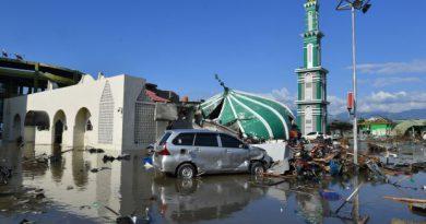 Sulawesi quake-tsunami: Two Malaysians evacuated, death toll rises to over 800