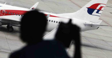 Female pilots make debut in Malaysia Airlines