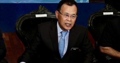 Johor MB bars state civil servants from holding positions in political parties