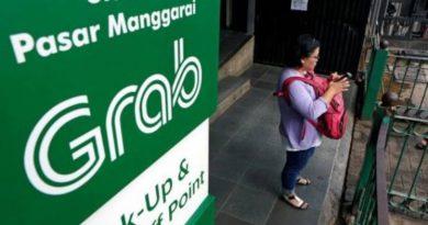 Grab, Go-Jek wage street fight for SE Asia 'super-app' supremacy