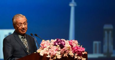 Malaysia PM Mahathir Mohamad gets honorary doctorate from Thai university, calls for Asean unity