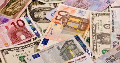 Ringgit weakens as investors opt for safe haven