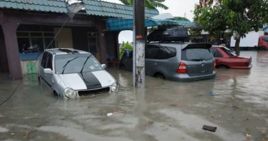 JB hit by flash floods