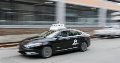 Five reasons experts think autonomous cars are many years away