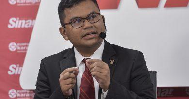 Branded 'gila', Johor Baru MP explains buka puasa programme at gurdwara