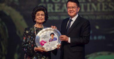 Dr Siti Hasmah named 'Ibu Negara' for contributions to country
