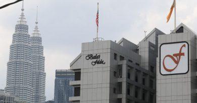 Felda sues ex-chairmen, 19 others over dubious Jalan Semarak land deal